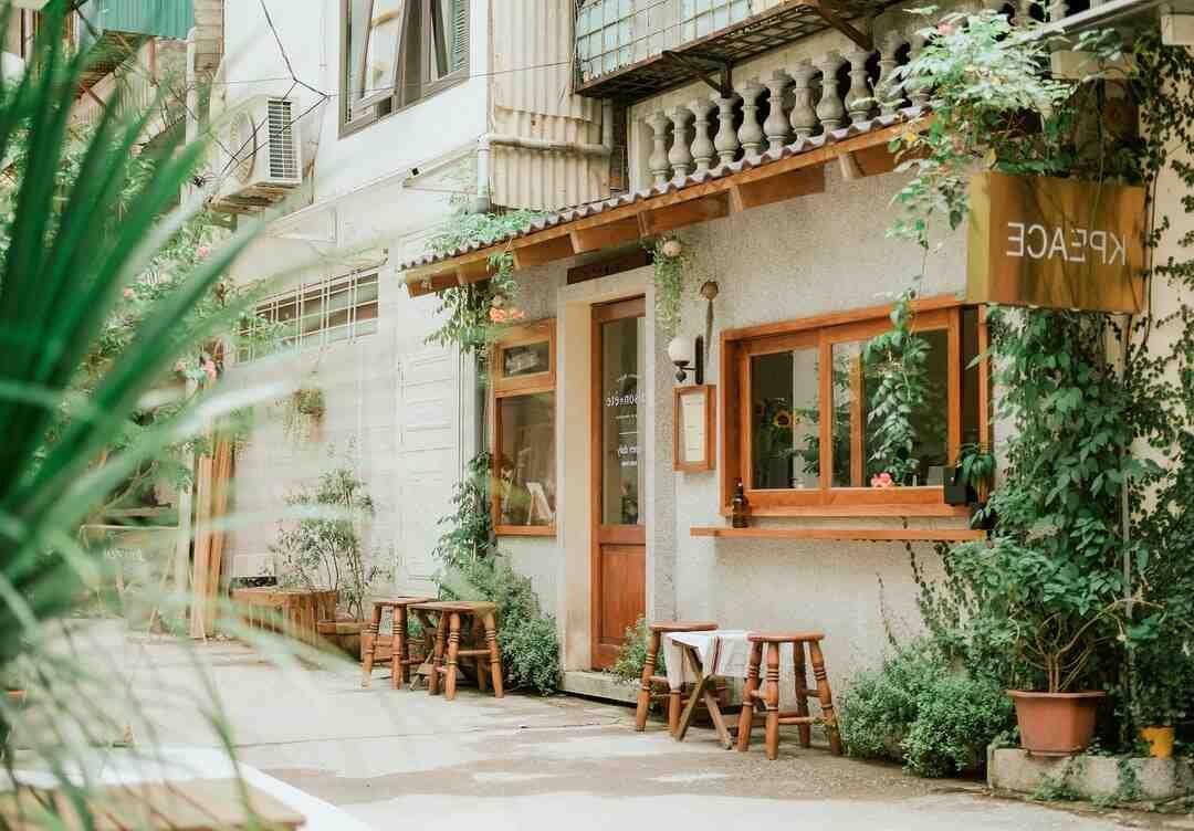 Qui prévient les impôts en cas d'achat d'une maison ?